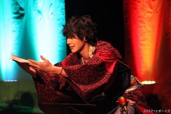 『ハンサム落語』に初参加の小谷さんも、堂々とした演技で古典落語を再現