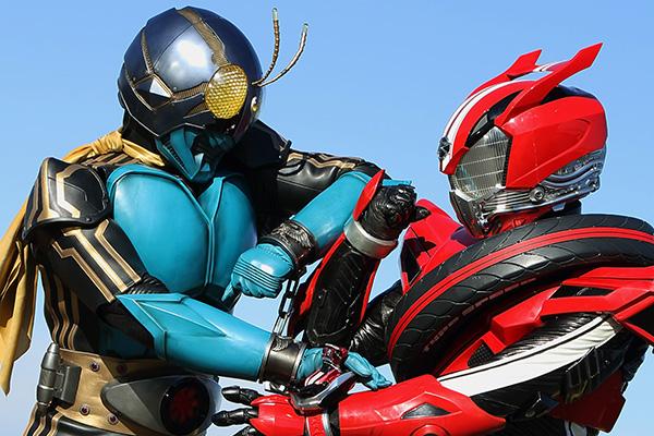 仮面ライダードライブと3号が激突!