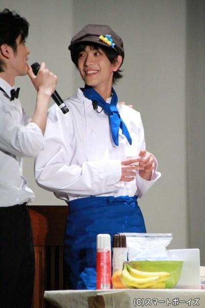 麻璃央さんは大石秀一郎デコにチャレンジ!