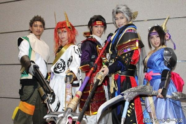 (写真左より)金子昇さん、植田圭輔さん、安西慎太郎さん、小沼将太さん、紗綾さん