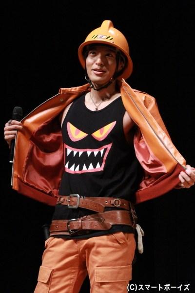 長濱さんが着ているタンクトップのキャラは、劇中に登場するそう