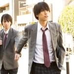 (写真左から)女装男子・八代(横田龍儀)と、彼の女装姿に一目惚れした百瀬(黒羽麻璃央)。渋谷の街で始まる、異色のラブストーリー