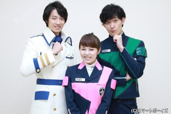 吉田さん演じるテツは地球署の署長代理に出世し、衣裳もグレードアップ!