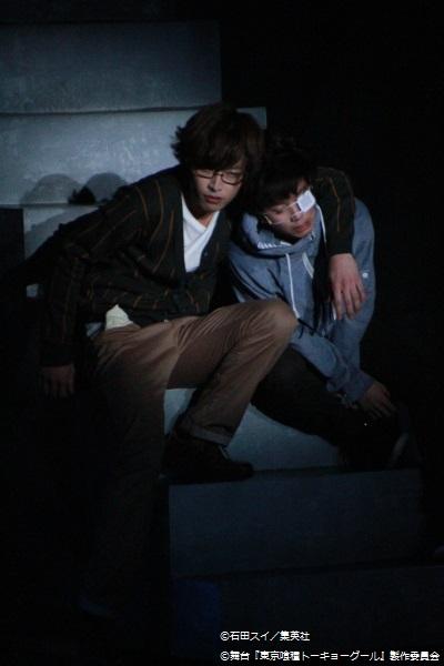 西尾錦役の鈴木勝吾さん(左)が冷たい表情で金木に迫る!