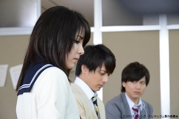 ビリギャルの表紙で話題になった石川恋さん(左)は今作で女優デビュー
