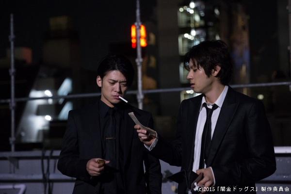 高岡奏輔さん(左)との共演は震えるようなカッコよさ!