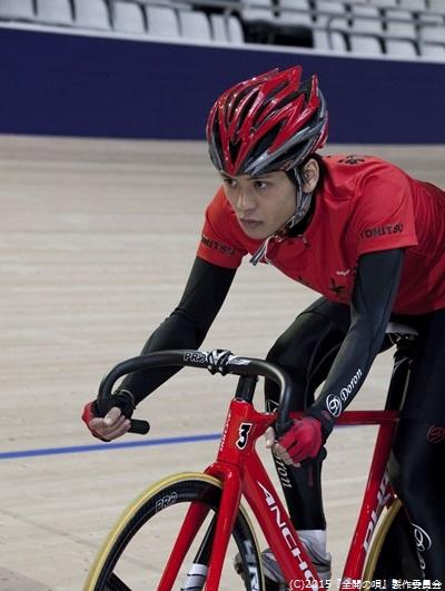今注目の自転車競技に挑戦、スポコン・ラブコメどっちも全開な青春ムービー!