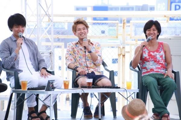 トーク中、終始3人の表情は笑顔ばかりでした
