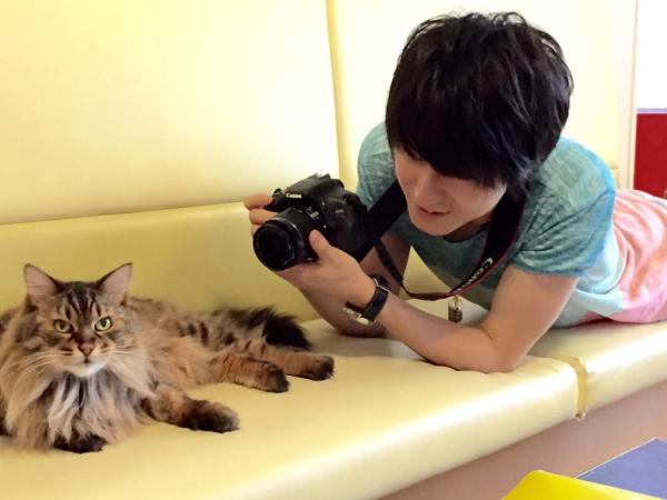 """松村龍之介さんの、文字通りの""""猫なで声""""を動画で聞ける!?"""