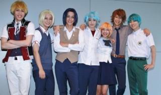 (左より)碕理人さん、高崎翔太さん、黒羽麻璃央さん、前山剛久さん、伊藤梨沙子さん、小沼将太さん、谷佳樹さん