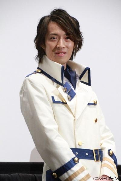 デカブレイク/姶良鉄幹役の吉田さん 「衣裳を新調しているのでまだ慣れていないです…」