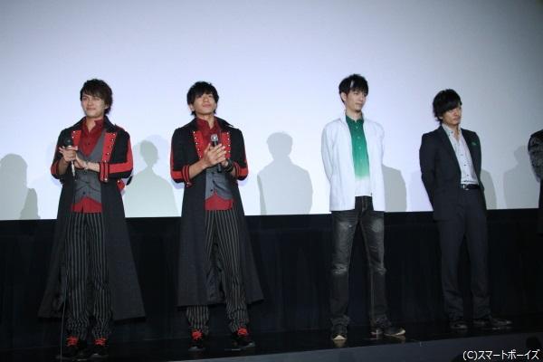 小林さんのサプライズ出演で、鎧武外伝主演の4人が同じステージに!