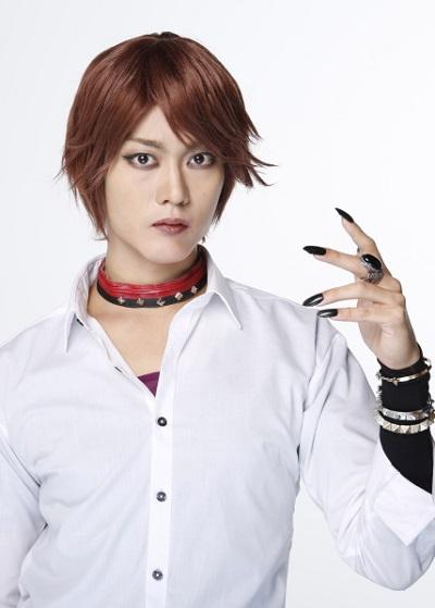 超人気アイドルで、その正体は天狗の鞍馬役を演じる南圭介さん