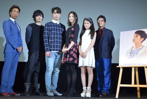 (左から)新堂冬樹さん、久保田悠来さん、チャンソンさん<2PM>、大野いとさん、村山優香さん、ハン・サンヒ監督