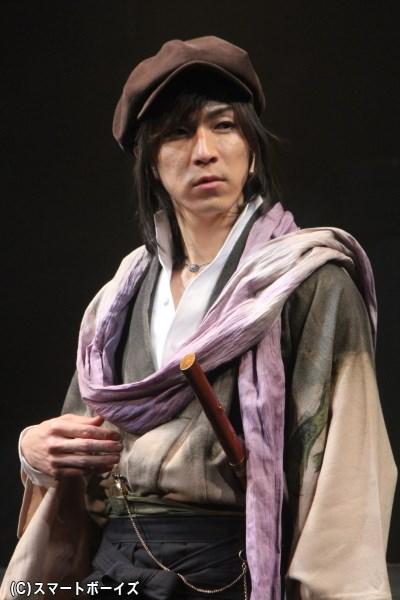 里谷村雨役の田中稔彦さん