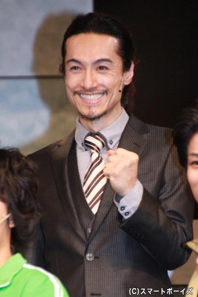 白井龍一役の唐橋さん。なかなか見られない会心の笑み!