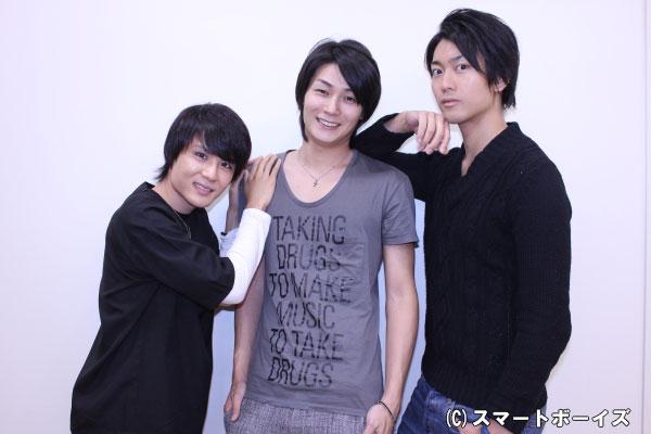 (写真左より)瑞希役の樋口裕太さん、巴衛役の八神蓮さん、鞍馬役の南圭介さん