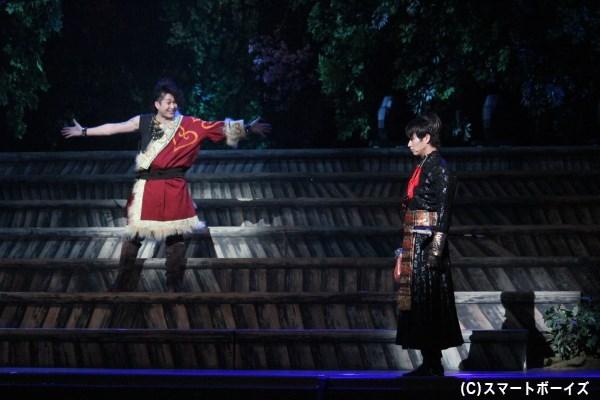 森の中で偶然出会った田村麻呂と阿弖流為。一発触発の危機?