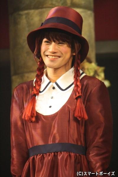 ローザの妹でリンダの同級生、可憐な笑顔を見せるマリア役の原嶋元久さん