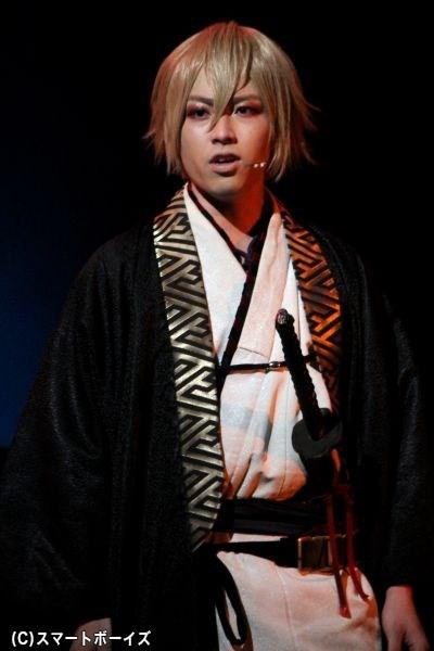 2012年の初演から風間千景を演じる鈴木勝吾さん
