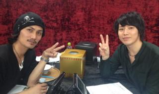 (右から)加藤和樹さんと鎌苅健太さん、特別番組でのKKコンビ復活2ショット!