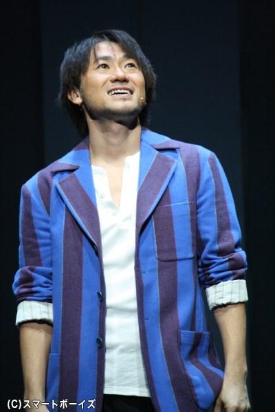 2016年で音楽活動をしている青年・柊健二役、ナオト・インティライミさん