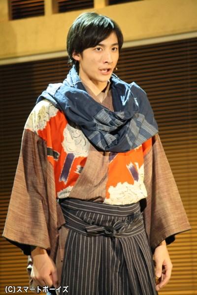 2045年で画家を目指している青年・結城連役、小関裕太さん