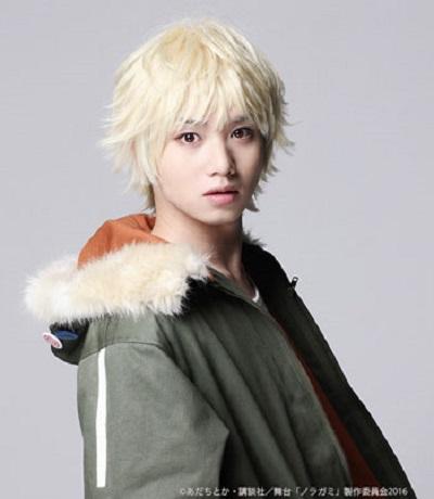夜トに拾われ、彼の神器となった雪音(ゆきね)役の植田圭輔さん