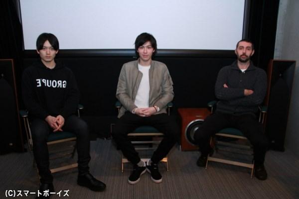 (左より)水石亜飛夢さん、神永圭佑さん、ギヨーム・トーブロン監督