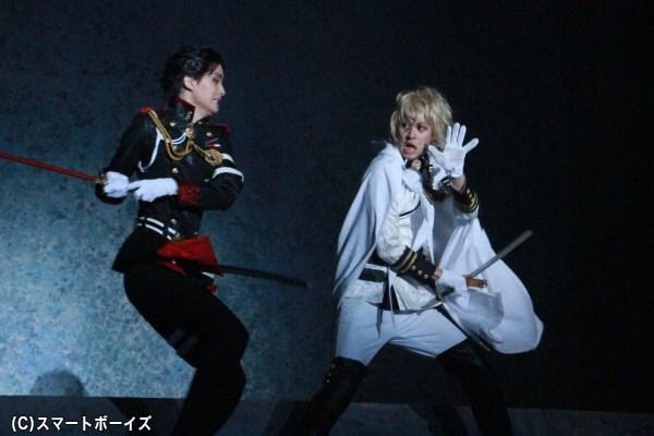 戦隊OBの鈴木さん&小野さんによる殺陣は見応え十分!