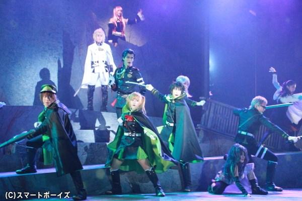 人間と吸血鬼による、華やか且つ激しい戦いがステージで!