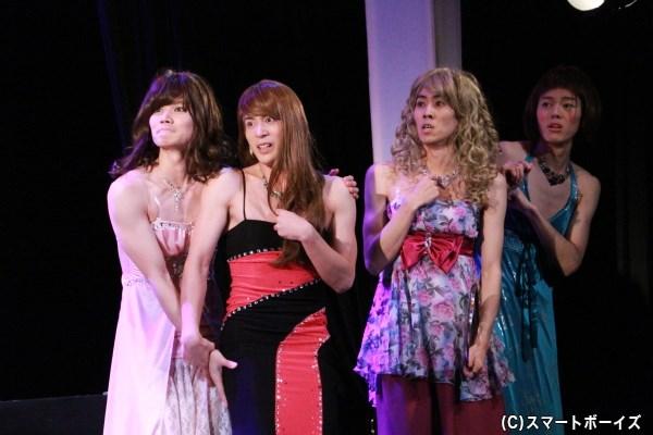 田中さん&薫太さん&室さん&杉江さんによる、肉体美が素晴らしい女装姿は必見!