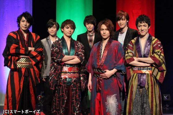 (写真左より)磯貝龍虎さん、土屋シオンさん、加藤良輔さん、前山剛久さん、平野良さん、碕 理人さん、西山丈也さん