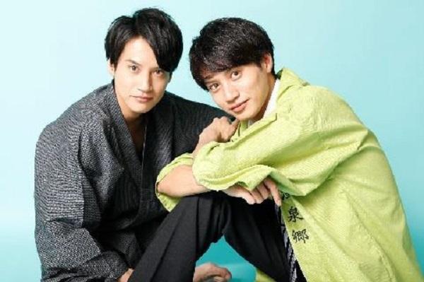 (左から)双子の兄・高木万平さん、弟・高木心平さん