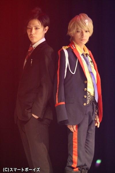 (写真左から)軍警察の新人捜査官・アルマーニ役の下山真佑郎さん、アイドル刑事・リディオ役の糸川耀士郎さん