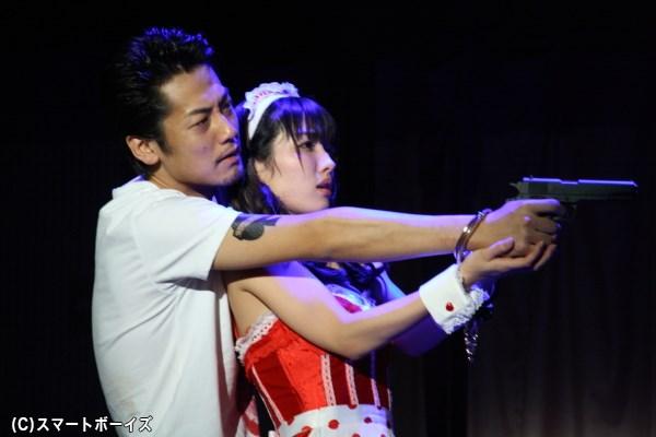 エロ&バイオレンスのクライム・アクション! 福士誠治さんがヤクザを演じる舞台『ホテル・カルフォリニア』開幕
