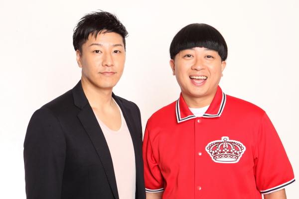 それぞれ別の役でWキャスト出演する、チョコレートプラネットの2人 (左から)葉隠康比呂役の長田庄平さん、山田 一二三役の松尾 駿さん