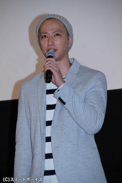 謎の新聞記者ユキトシを演じる秋山真太郎さん