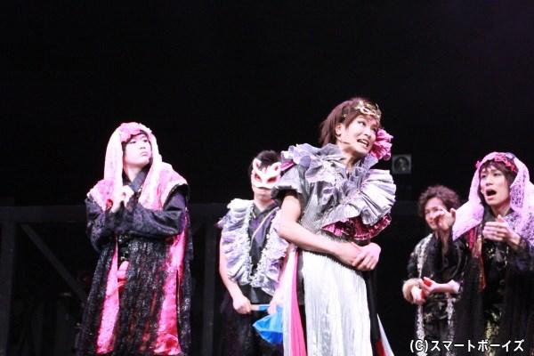 田渕さん、石田さん、鐘ヶ江さんらの女装姿は、ある意味衝撃的(?)