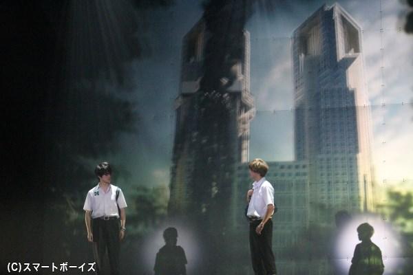 都庁を爆弾テロの恐怖が襲う!