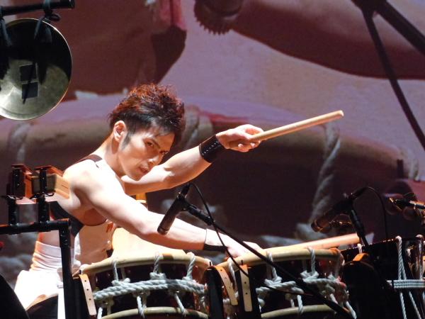 世界を股にかけて活躍中の和太鼓奏者、TAKUYAさんの迫力の演奏!