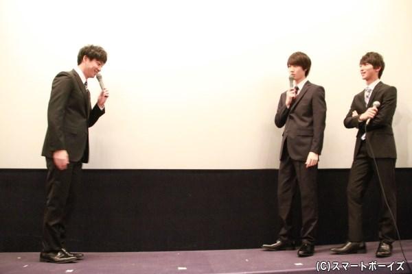 渡部さんが就職面接練習を再現したものの、桜田さんにダメだしされていました