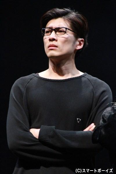 岸本卓也さんもTV局員、ちびっ子など複数の役を演じています