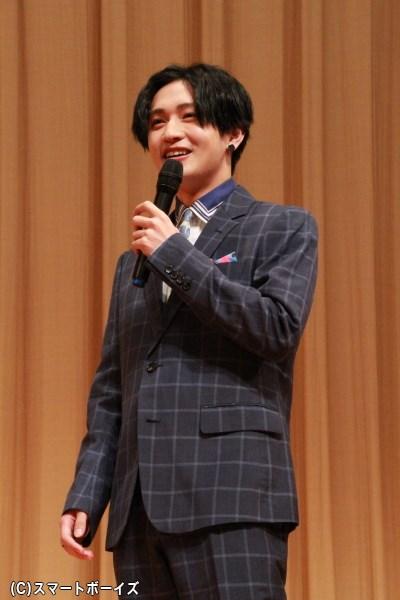 """""""ヤッキー""""との声援に照れながらも喜んでいた松本さん。"""