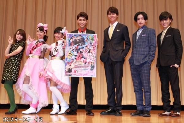 (左より)潘めぐみさん、山谷花純さん、矢野優花さん、西川俊介さん、多和田秀弥さん、松本岳さん、中村嘉惟人さん