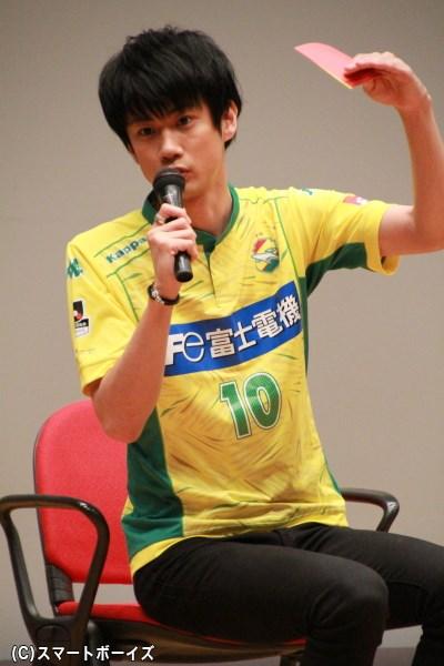 元・日本代表の河野を演じる馬場良馬さん。背番号10がお似合いです