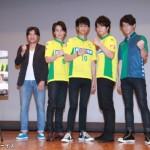 (左より)谷健二監督、根本正勝さん、馬場良馬さん、中村優一さん、中村誠治郎さん