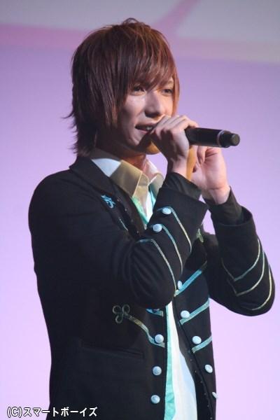イメージカラーは水色、クールな顔立ちの中島拓斗さん