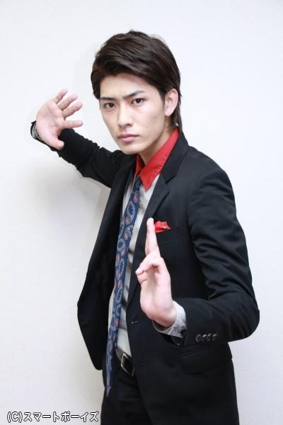 西川さんの名乗りポーズ、まさにアッパレ!