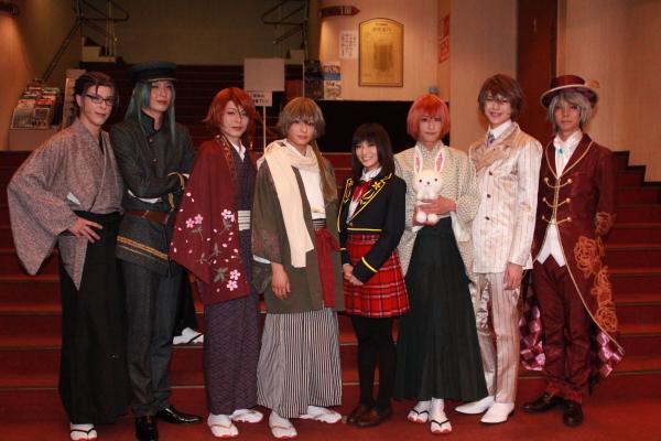 (写真左より) 汐崎アイルさん、吉岡佑さん、荒木宏文さん、橋本祥平さん、青木志穏さん、赤澤燈さん、遊馬晃祐さん、安里勇哉さん